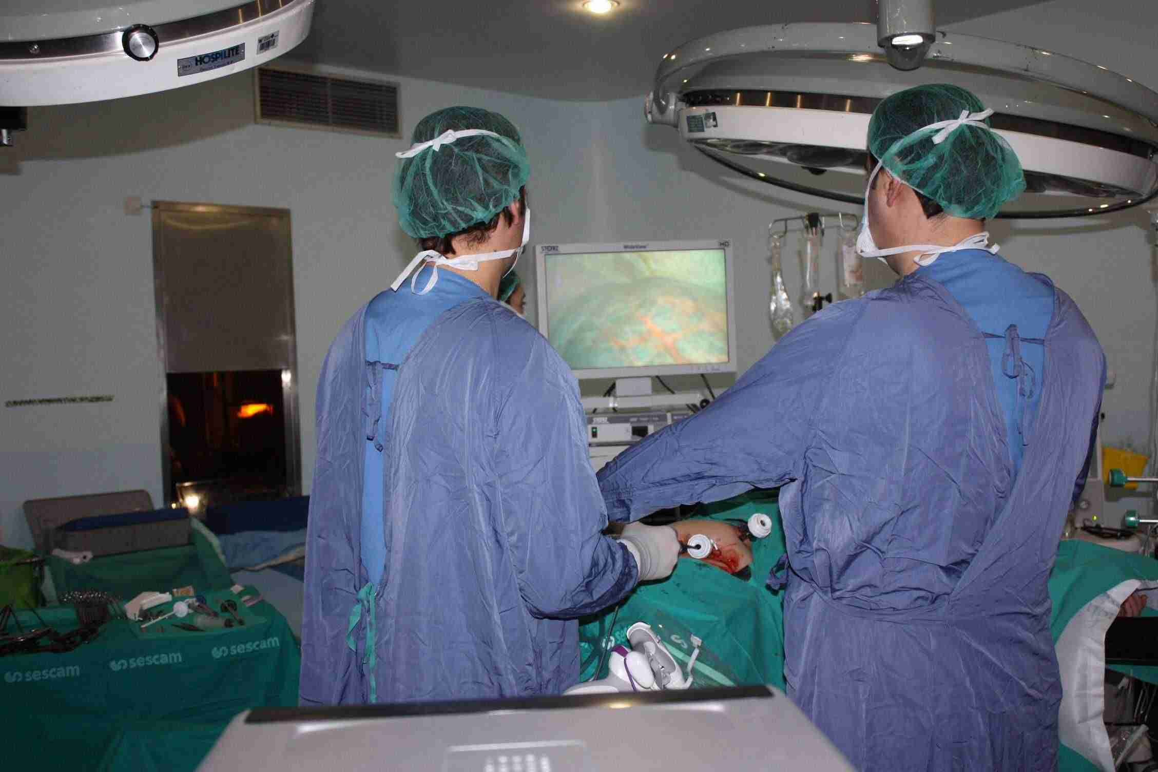 Los cirujanos del Área Integrada de Albacete extirpan tumores en hígado y páncreas por vía laparoscópica