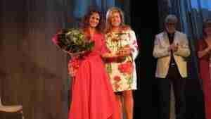 Silvia Marsó recibe el V Premio Patio de Comedias en la apertura del VII Festival Internacional de Teatro y Títeres 7
