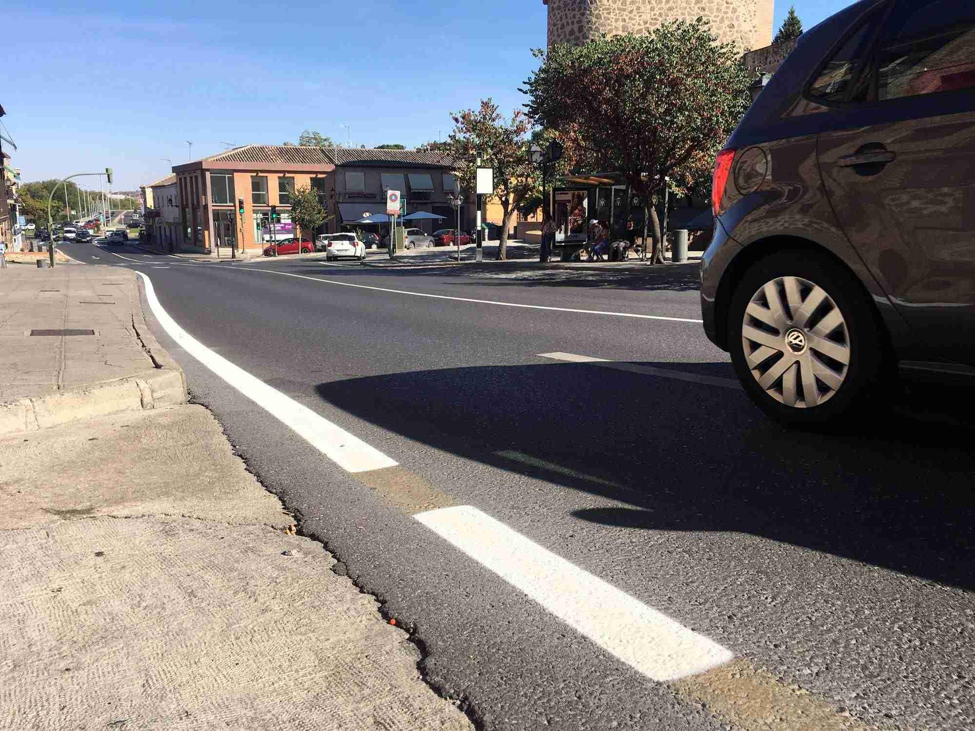 Toledo mejora la señalización horizontal de varias calles y ubica un nuevo paso de peatones en Real del Arrabal 8