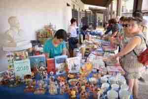La variedad temática ha caracterizado la II Feria del Libro de Argamasilla 7