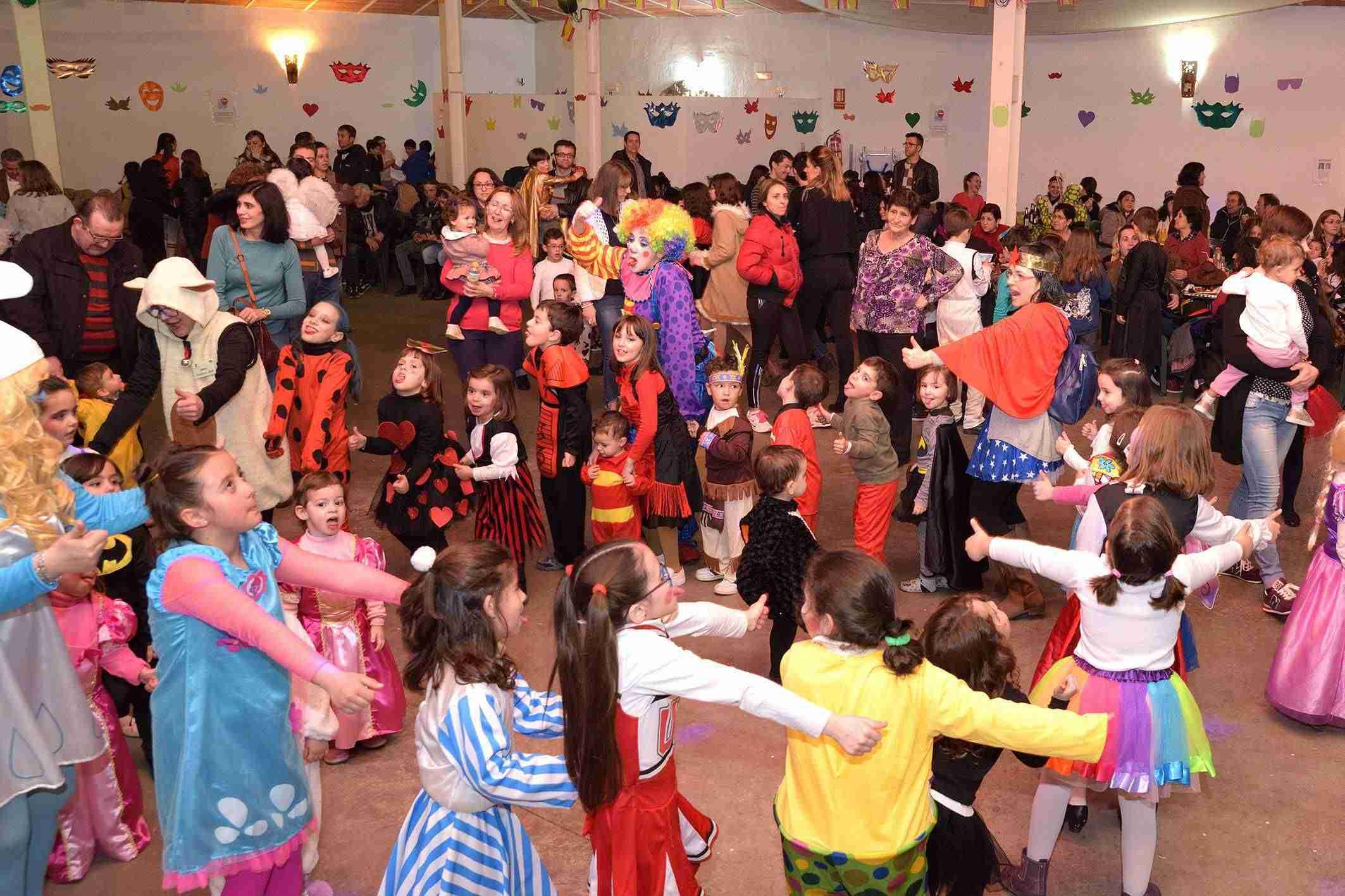 Más de 200 niños y niñas participaron en el Baile Infantil de Carnaval 6