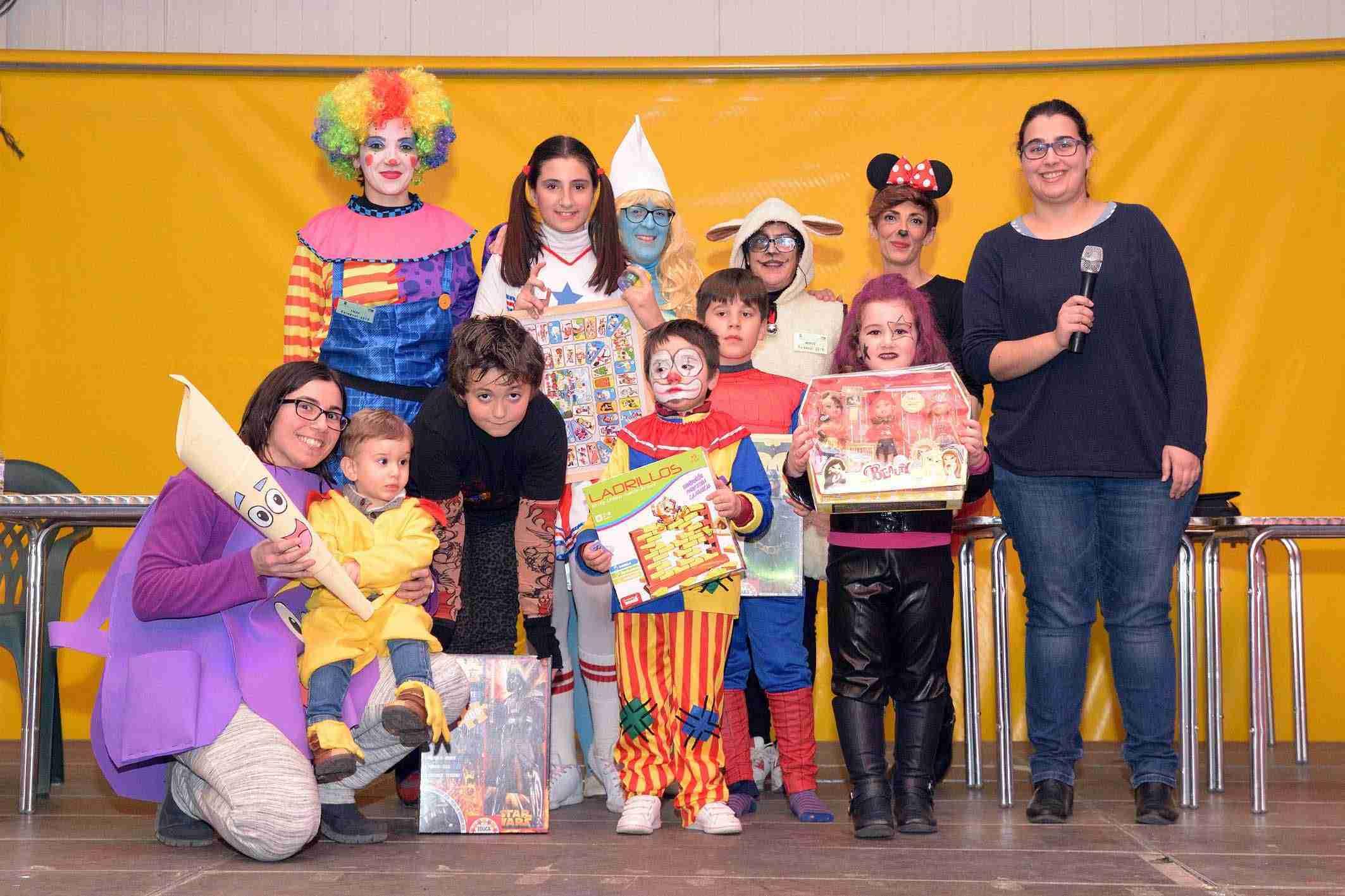 Más de 200 niños y niñas participaron en el Baile Infantil de Carnaval 5