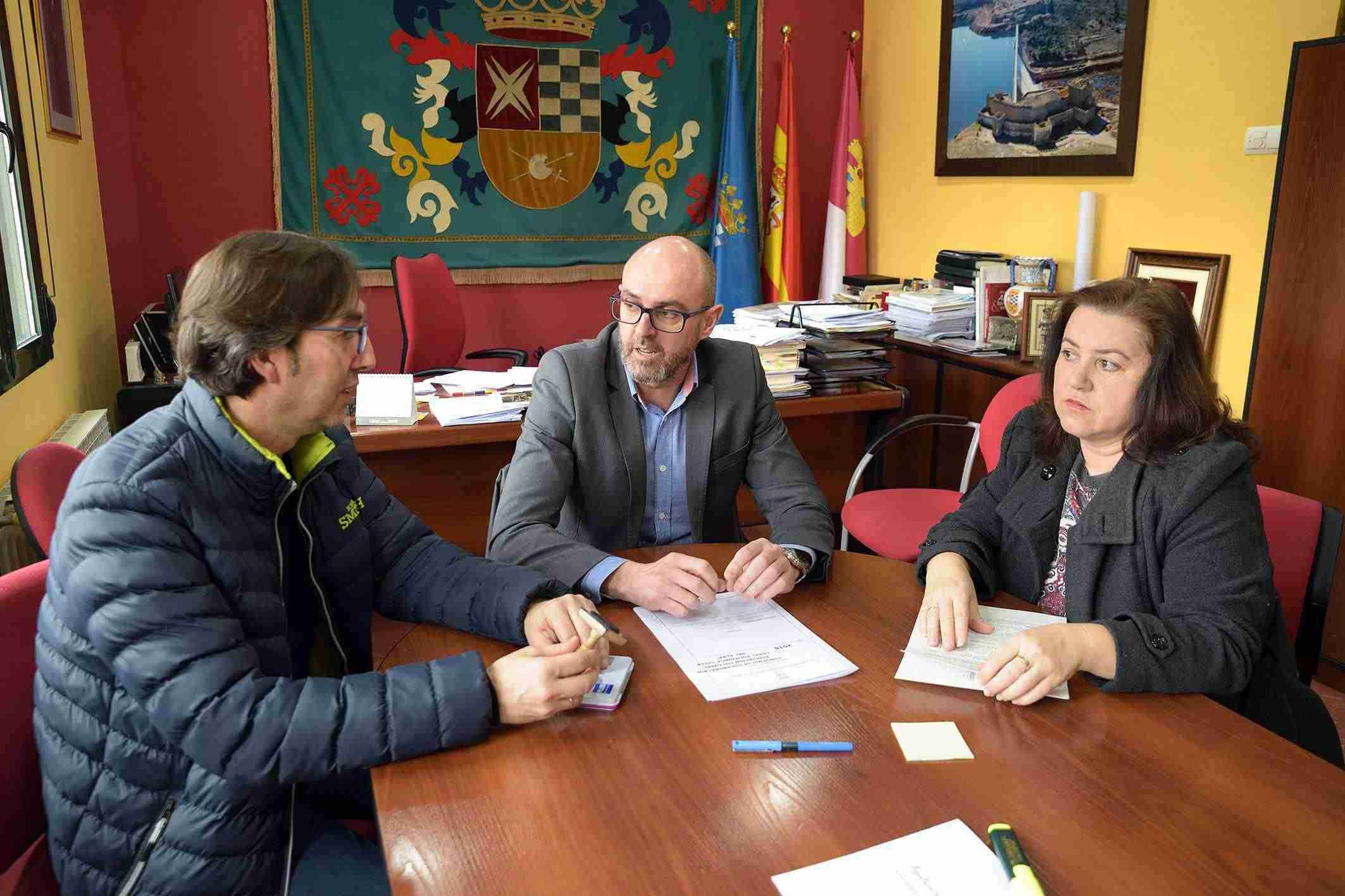 La Agrupación Maestro Martín Díaz y la coral Villa del Alba ratifican convenios con el Ayuntamiento 5