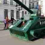 """Un tanque militar logra el primer pemio en el II Rallye """"Autos Locos"""" 4"""