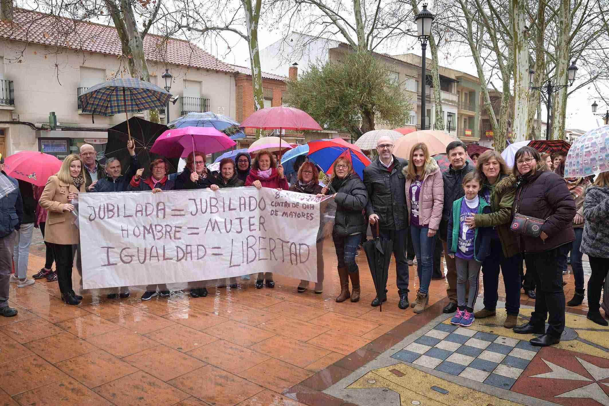 Argamasilla de Alba conmemora el 8M con una concentración por la igualdad 1