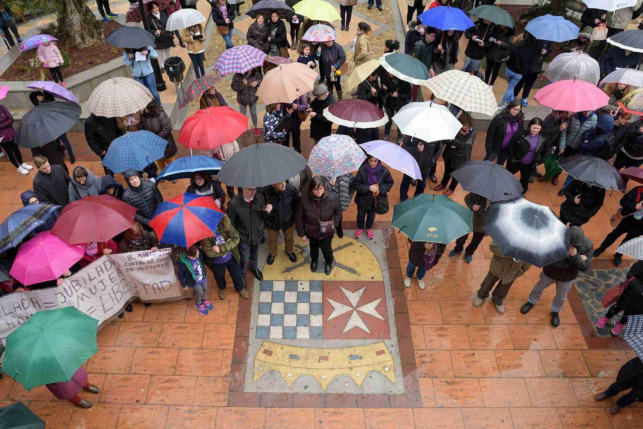 Argamasilla de Alba conmemora el 8M con una concentración por la igualdad 2