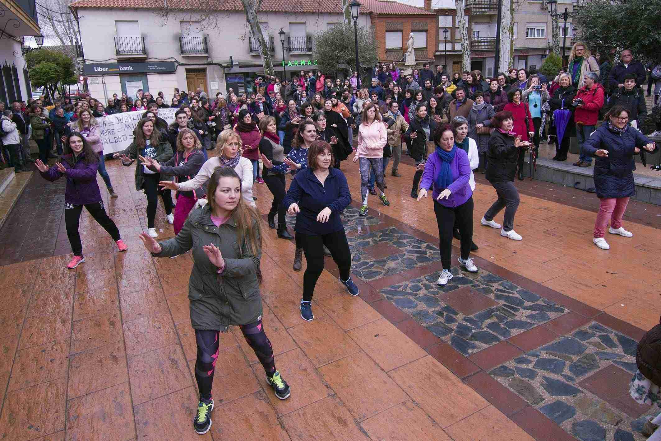 Argamasilla de Alba conmemora el 8M con una concentración por la igualdad 7