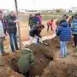 Día Forestal Mundial plantando árboles en la vía verde en Argamasilla de Alba 3