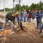 Día Forestal Mundial plantando árboles en la vía verde en Argamasilla de Alba 9