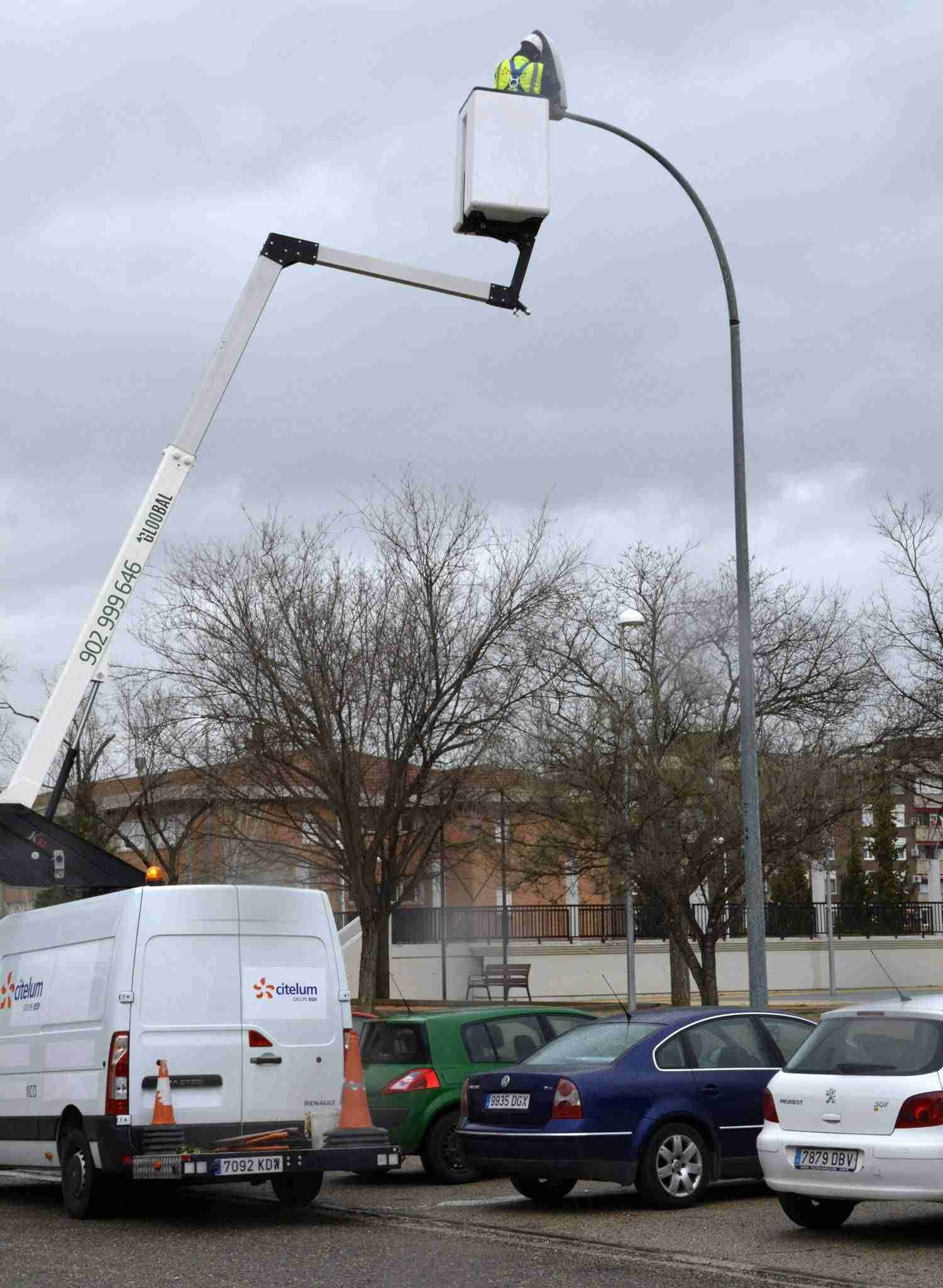 Toledo finaliza en el barrio del Polígono la renovación de 10.000 lámparas del alumbrado público 3