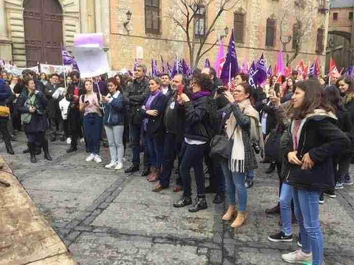 foto de la concentración en Toledo, en la que ha participado Carlos Pedrosa, secretario general de UGT CLM.