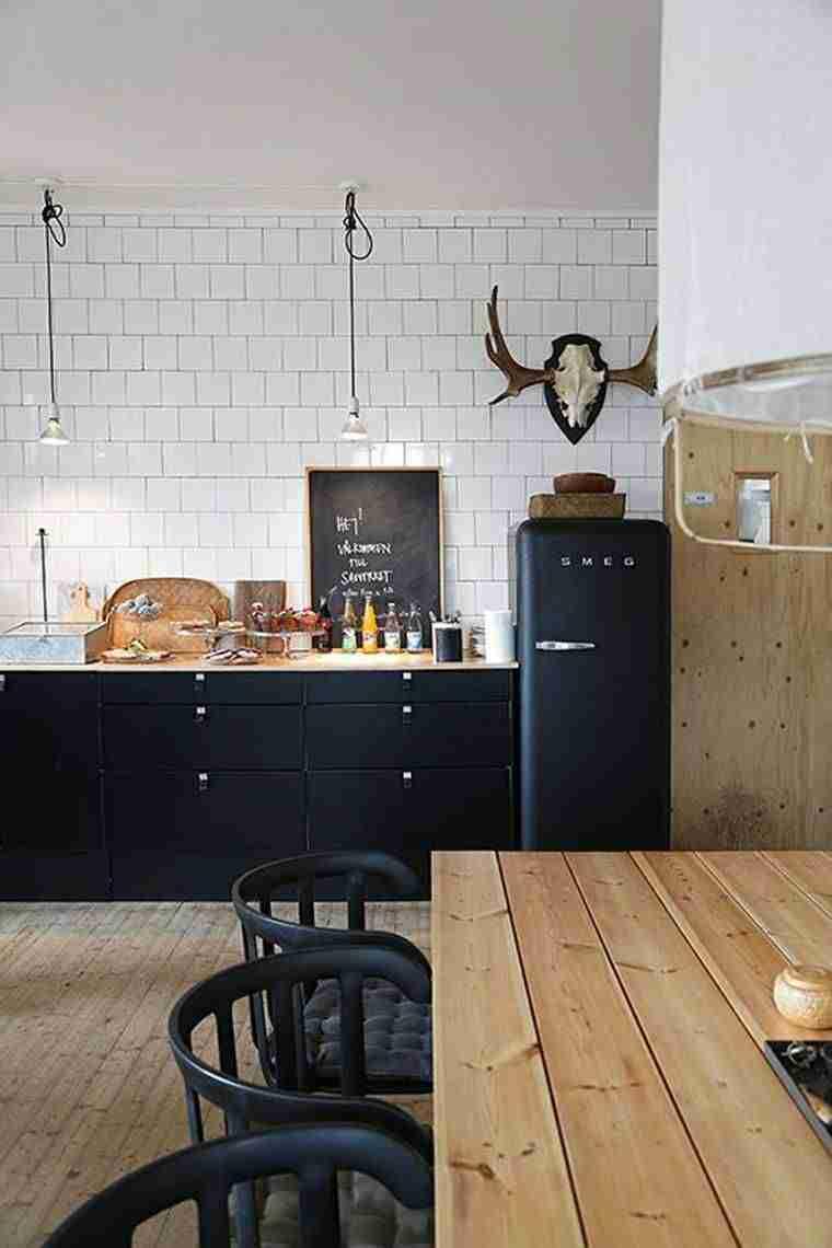 blanco, negro y madera en cocinas V