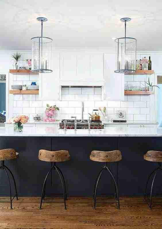 blanco, negro y madera en cocinas II