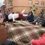 Los argamasilleros despiden la Semana de Pasión con el manteo del pelele 6