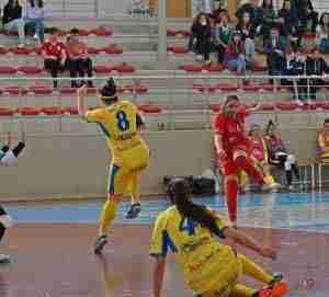 El Almagro supera al Martos y acaricia el título de liga 2