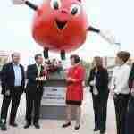 Inauguración del monumento en homenaje a los Donantes de Sangre 3