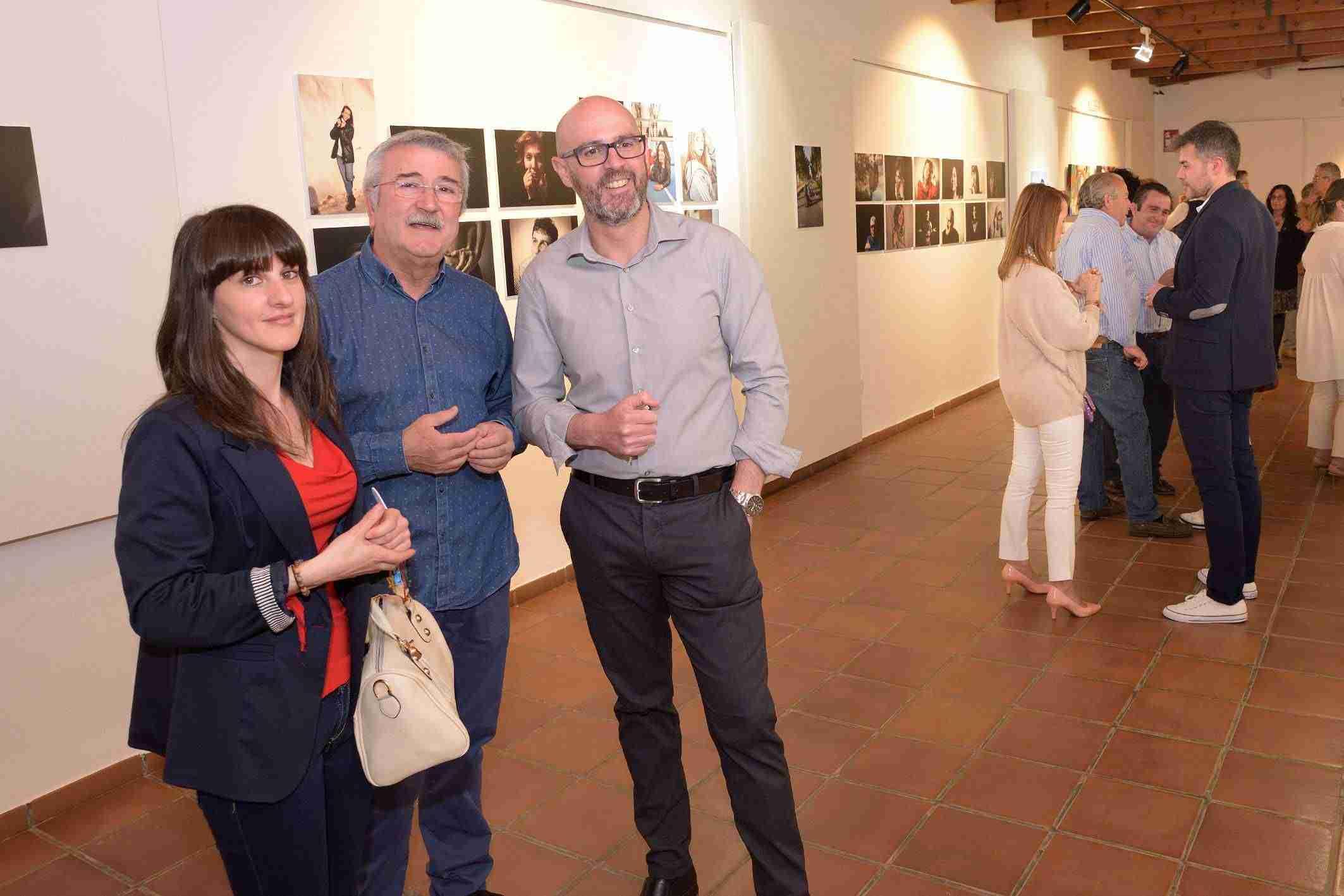 Abierta la exposición de pintura y fotografía de la UP en Argamasilla de Alba 6
