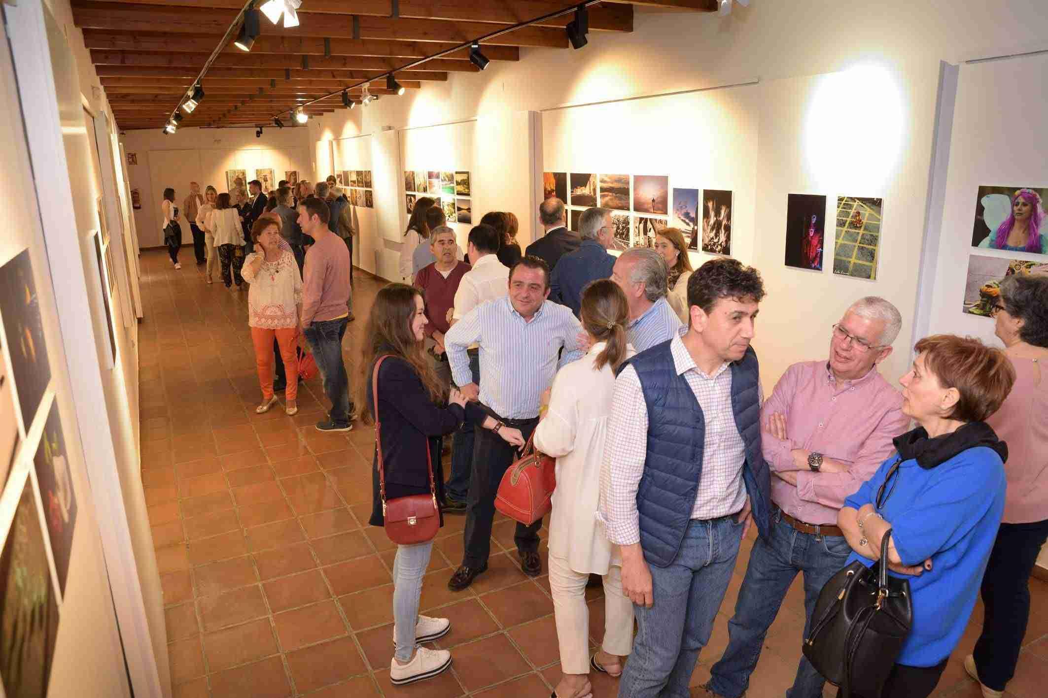 Abierta la exposición de pintura y fotografía de la UP en Argamasilla de Alba 5