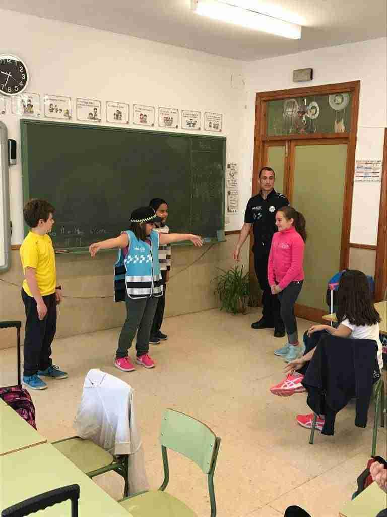 La policía local de Torralba imparten un curso de educación víal a los más pequeños 1