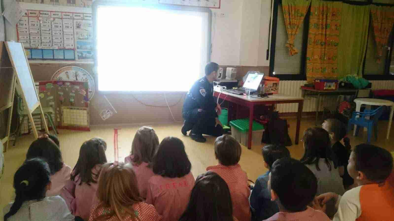 La policía local de Torralba imparten un curso de educación víal a los más pequeños 3