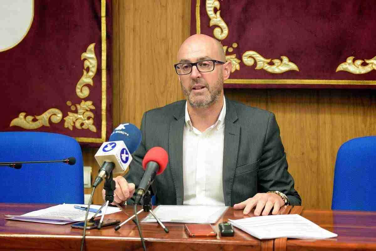 El alcalde de Argamasilla de Alba asegura que el agua de las casas es potable 1