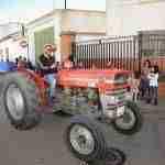 Numerosos tractores toman las calles de Argamasilla de Alba por San Isidro 5