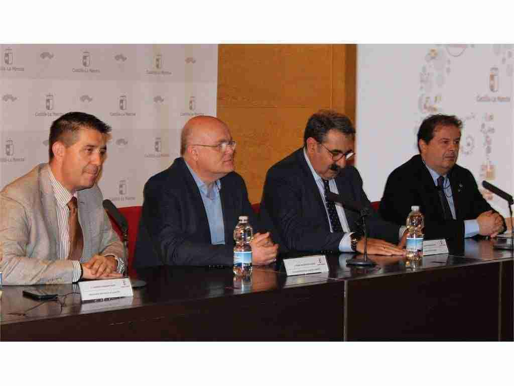 Cabañero traslada al Gobierno regional la necesidad de que Albacete y su provincia dispongan de un buen Hospital 1