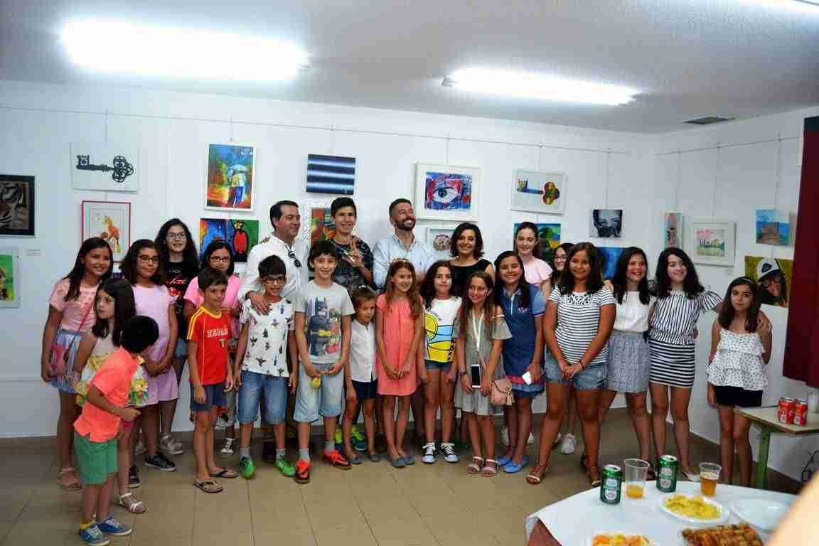 Inaugurada la Exposición de la Escuela Municipal de Pintura en el Centro Cívico 2