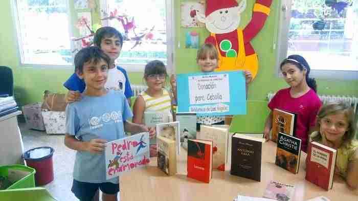 Ciudad Real dona medio millar de libros para la Biblioteca de Cebolla afectada por la riada 5