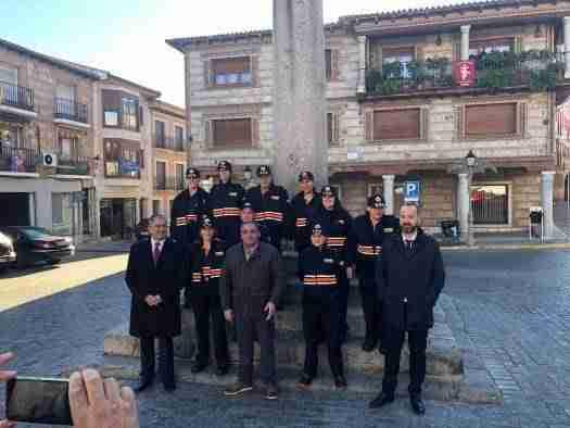 El-Gobierno-regional-entrega-186-nuevos-uniformes-a-15-agrupaciones.jpg 1