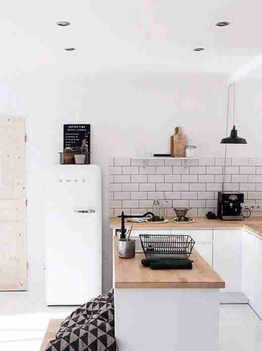 cocinas en blanco y madera VIII