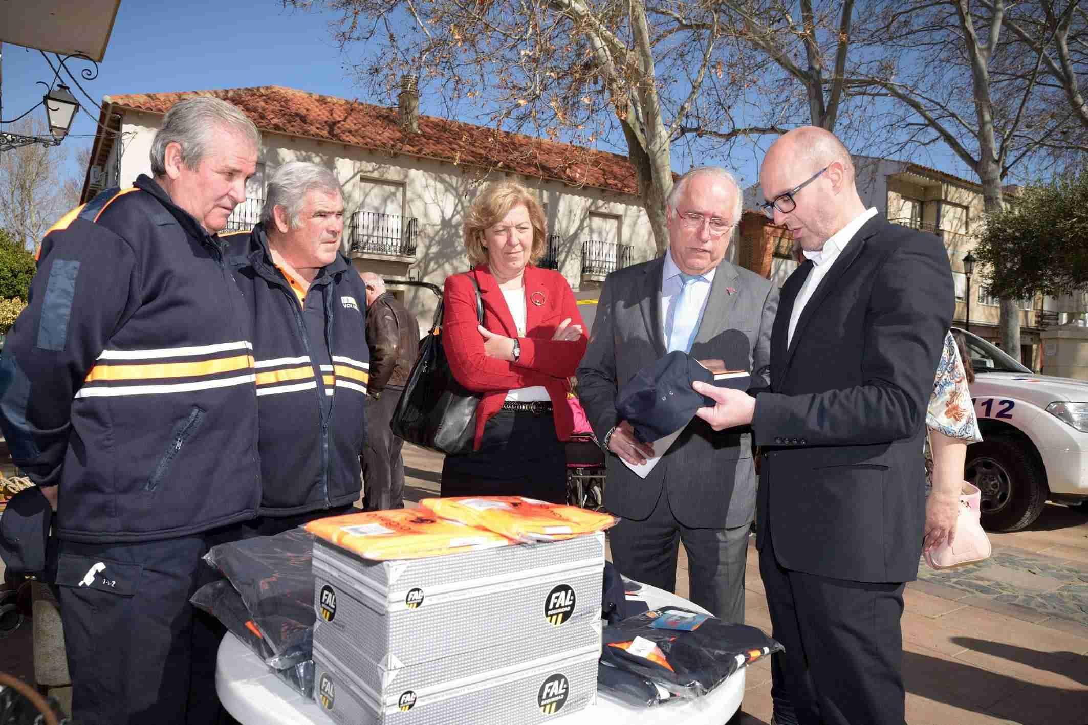 Argamasilla de Alba acoge la entrega de material de emergencia a siete agrupaciones de Protección Civil 2