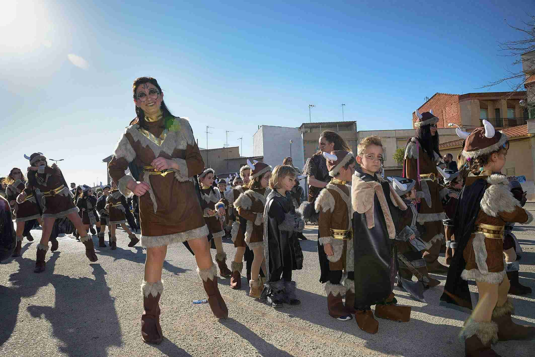 El Desfile de Comparsas Infantiles abre la actividad en la calle del Carnaval de Argamasilla de Alba 6
