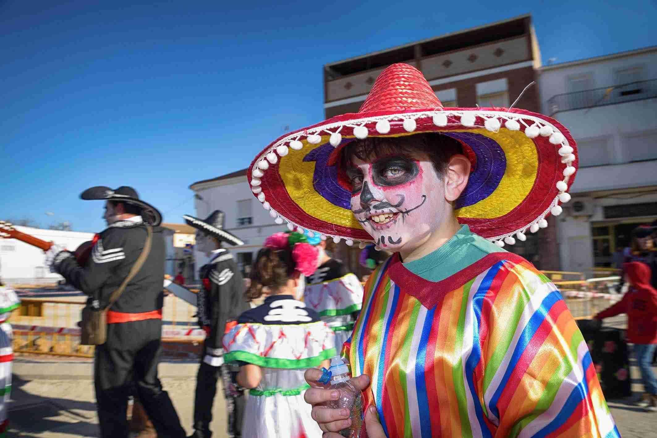 El Desfile de Comparsas Infantiles abre la actividad en la calle del Carnaval de Argamasilla de Alba 2