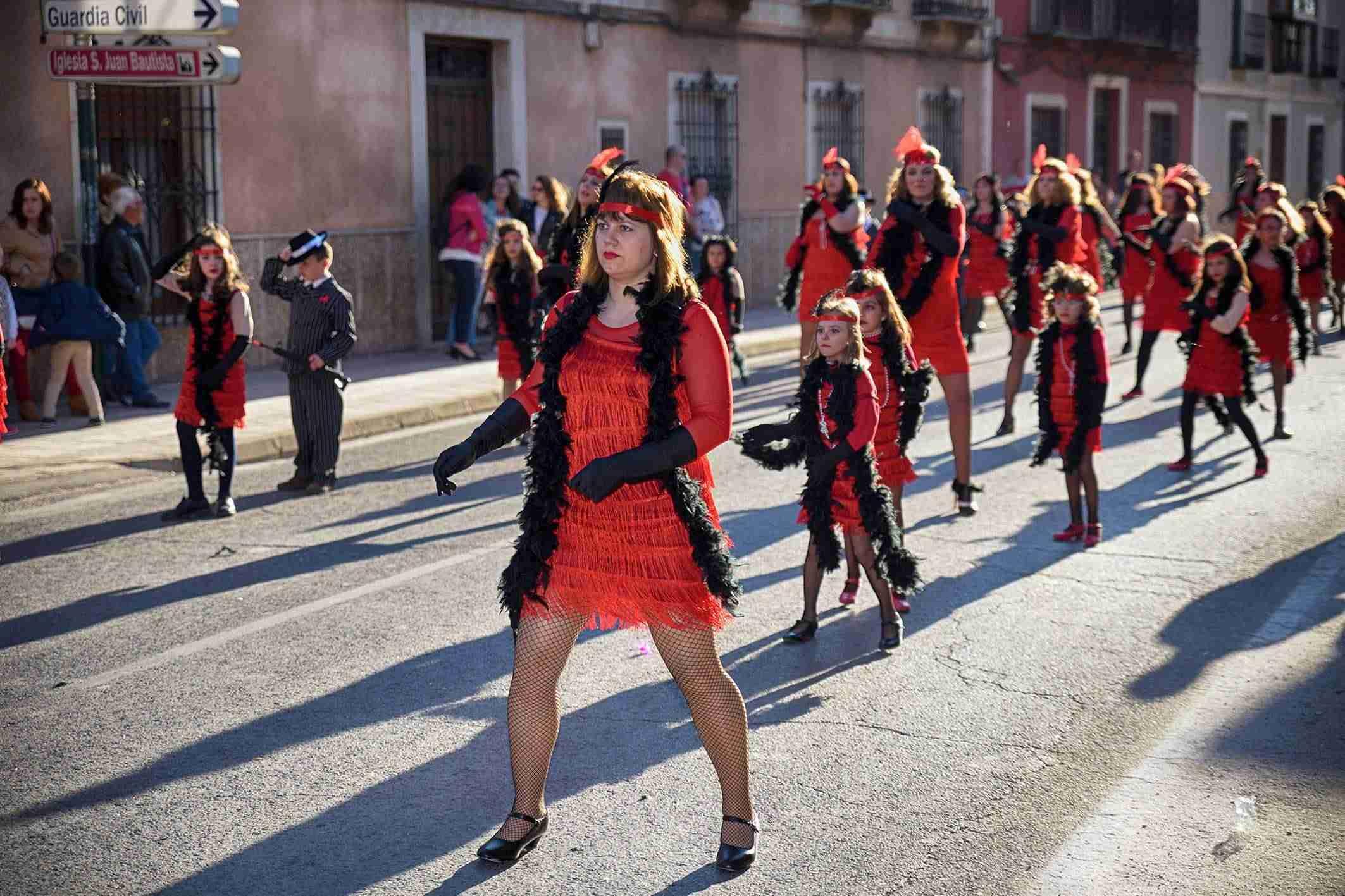 El Desfile de Comparsas Infantiles abre la actividad en la calle del Carnaval de Argamasilla de Alba 1