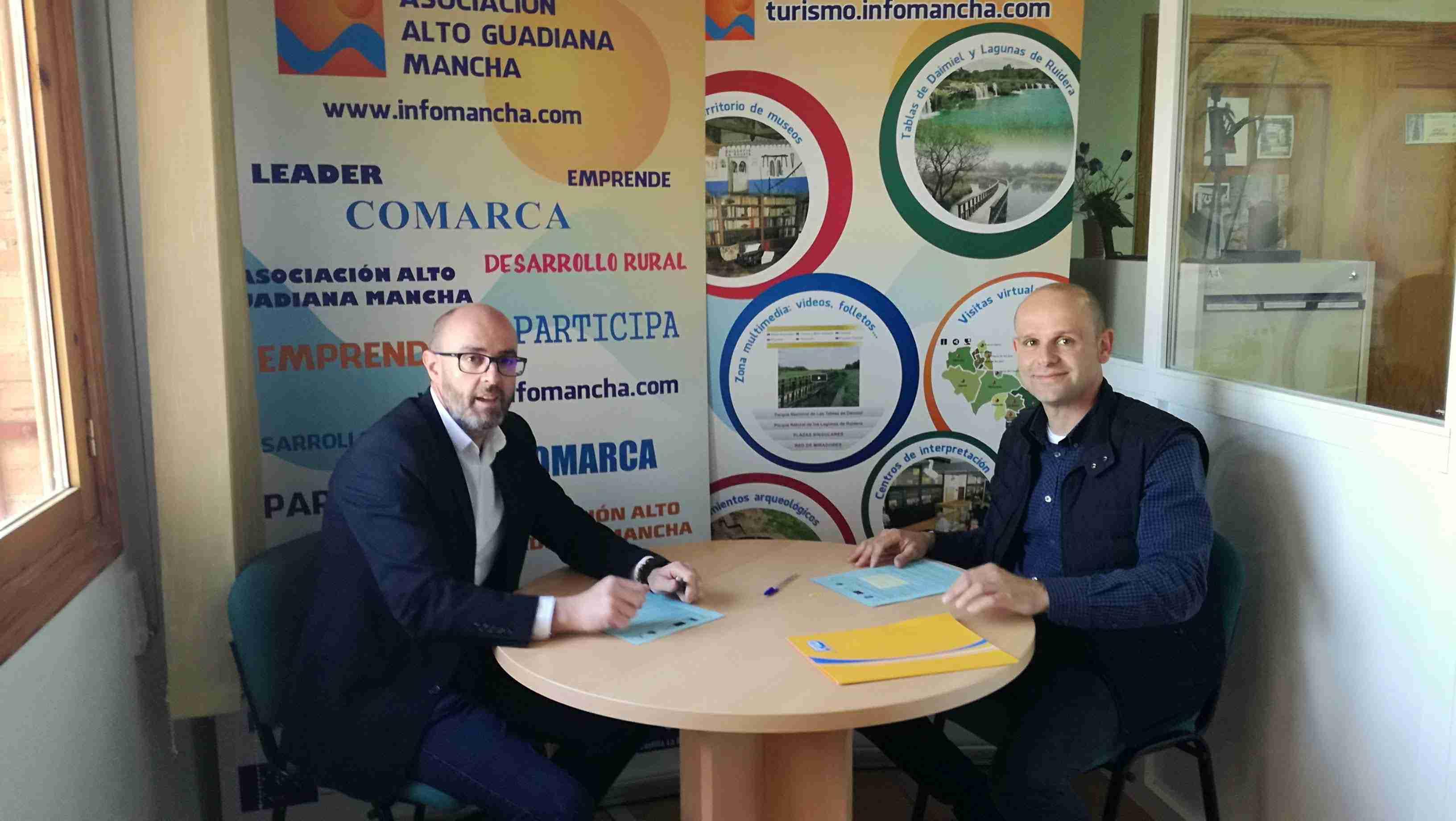 Firmados tres nuevos contratos con promotores de proyectos de la comarca Alto Guadiana Mancha 3