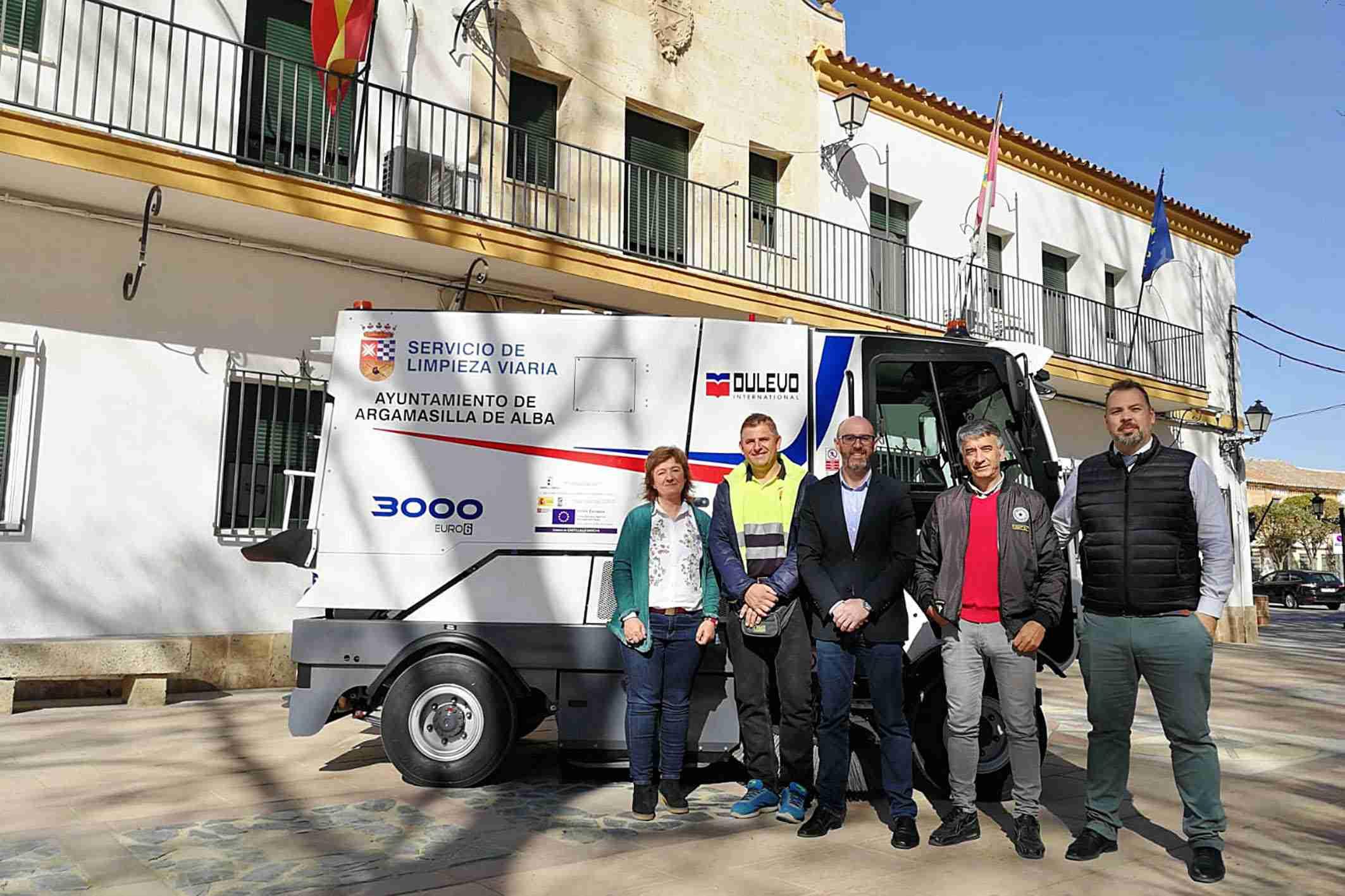 El Ayuntamiento de Argamasilla de Alba cuenta con una nueva máquina barredora 1