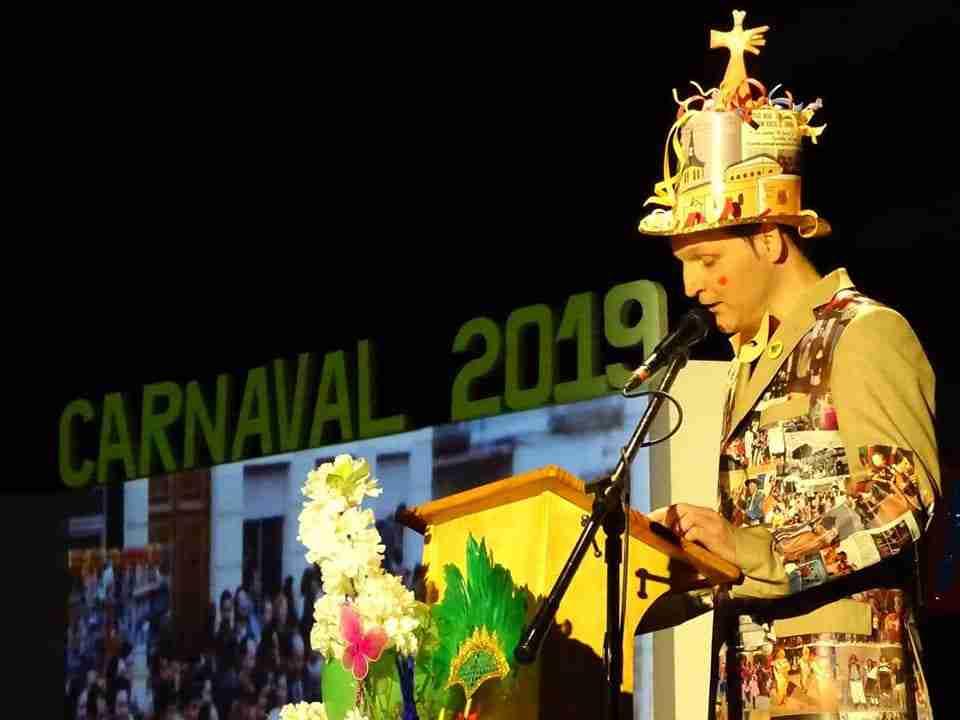 Originalidad, colorido y fantasía centraron el desfile de Carrozas y Comparsas en Torralba de Calatrava 12