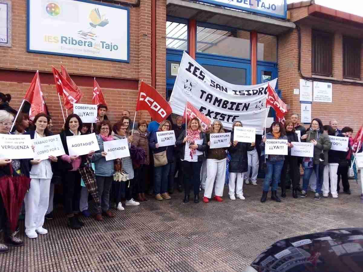 Personal laboral de Educación de Talavera y la comarca salió a la calle a exigir cobertura de bajas y vacantes 1