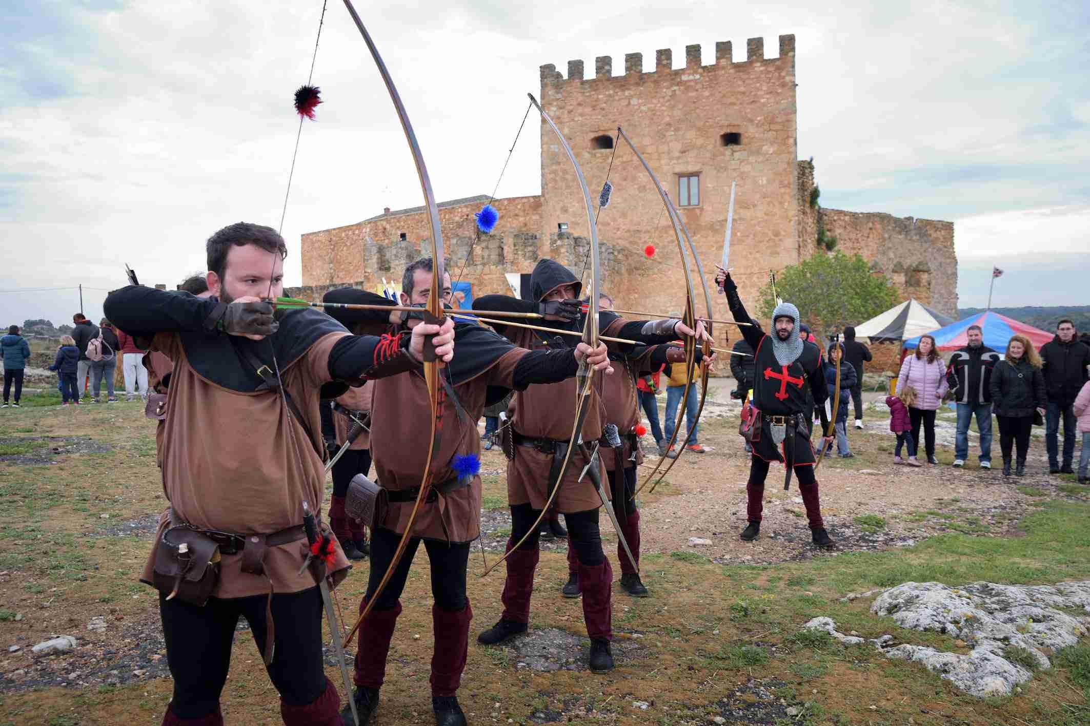 """La organización califica de """"éxito"""" el I Mercadillo Medieval 'Peñarroya del Alto Guadiana' 8"""