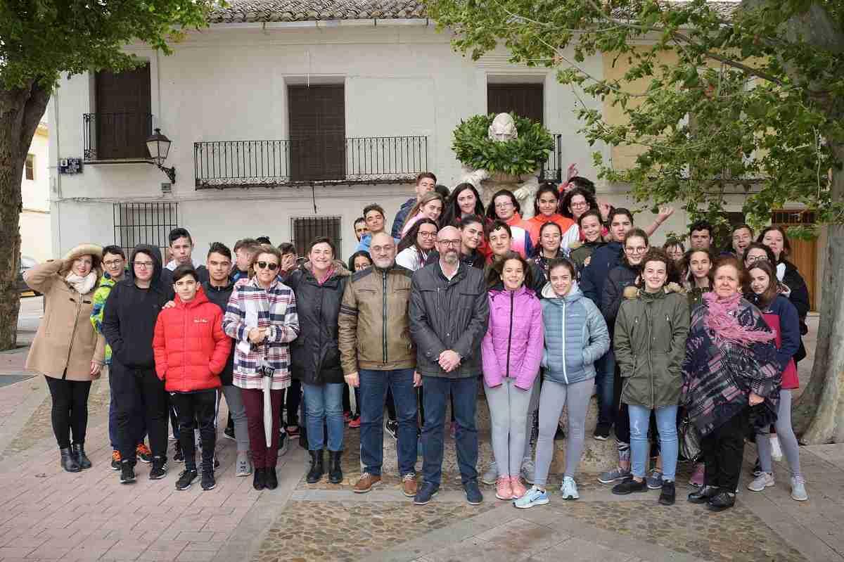 El IES Vicente Cano y los Académicos de la Argamasilla homenajean a Miguel de Cervantes 1