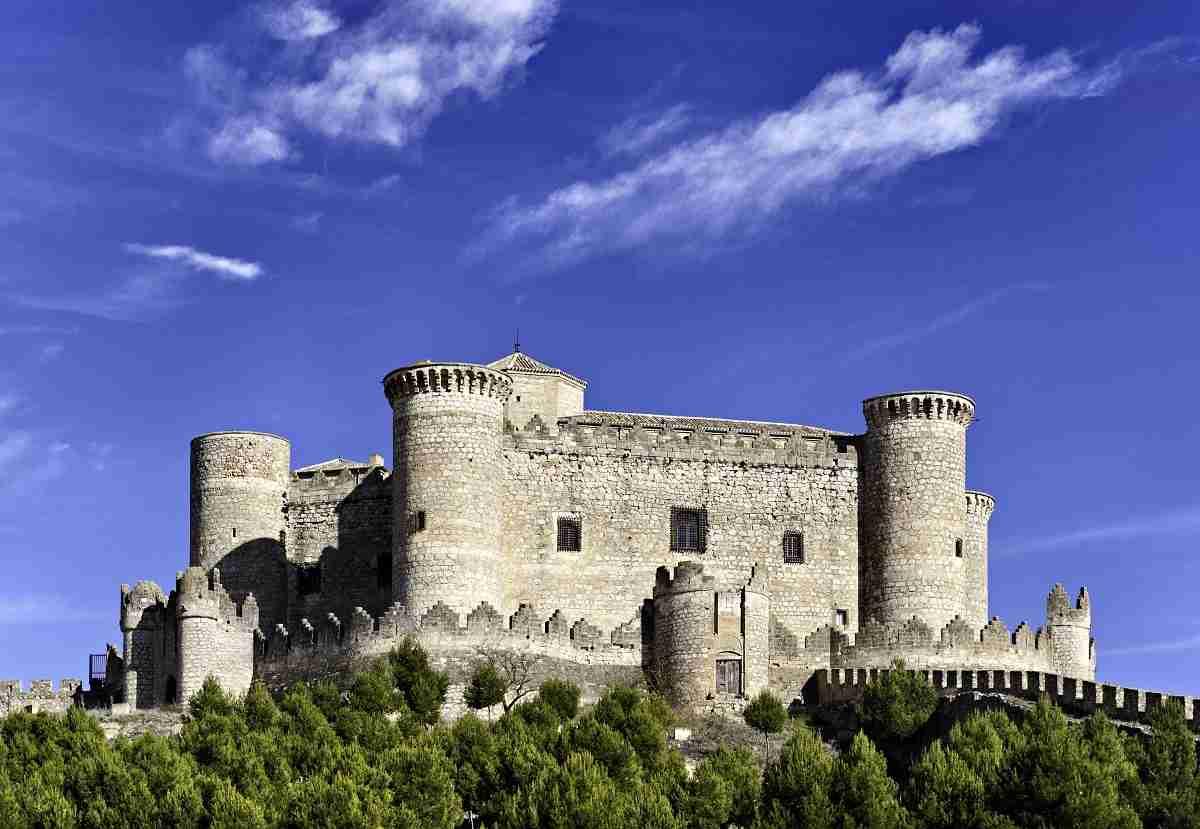 Durante el mes de marzo el volumen de viajeros alojados en establecimientos hoteleros de Castilla-La Mancha aumentó un 2,1% 2