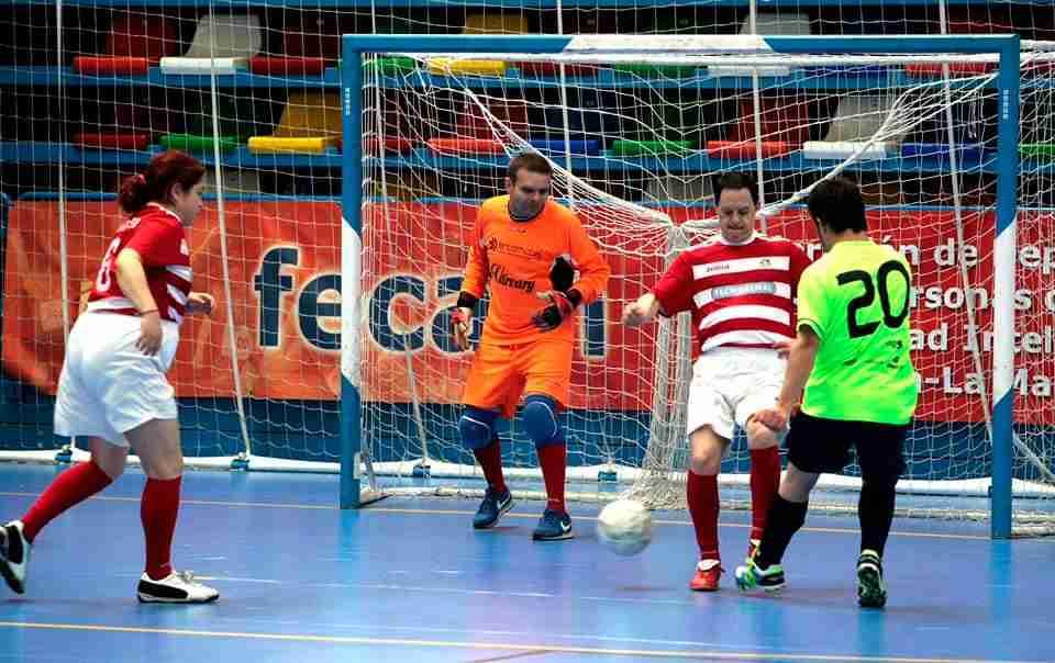 Gran participación en el campeonato regional de fútbol sala para personas con discapacidad intelectual 3