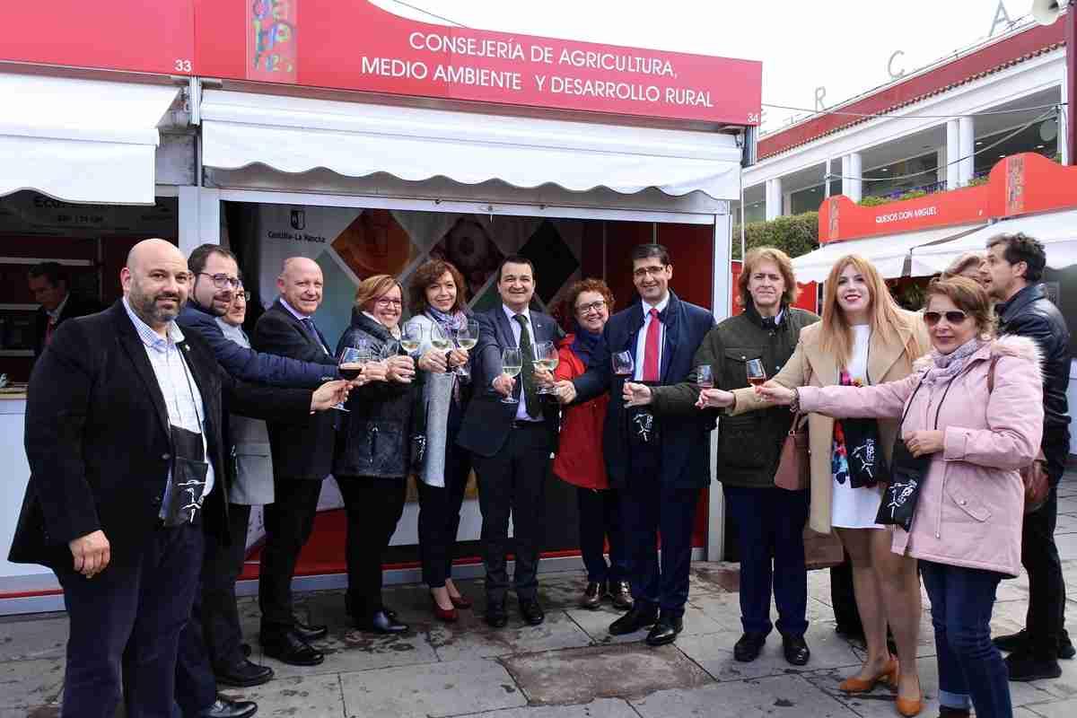 Martínez Arroyo pidió a las bodegas y cooperativas que apuesten a las Denominaciones de Origen de vino de Castilla-La Mancha 1