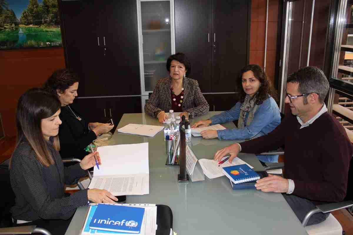 El Gobierno regional se reunió con entidades y dio a conocer el borrador del anteproyecto de Ley de Infancia y Familias de Castilla-La Mancha 2