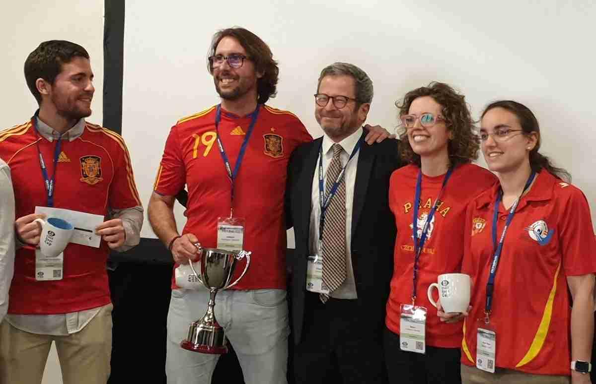 Endoscopista del Hospital General Universitario de Ciudad Real, campeón europeo con el equipo español en dicha especialidad 1