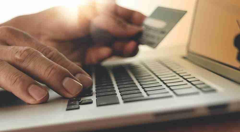 Los vecinos de Castilla-La Mancha pasan el 42% de la semana conectados a Internet 1