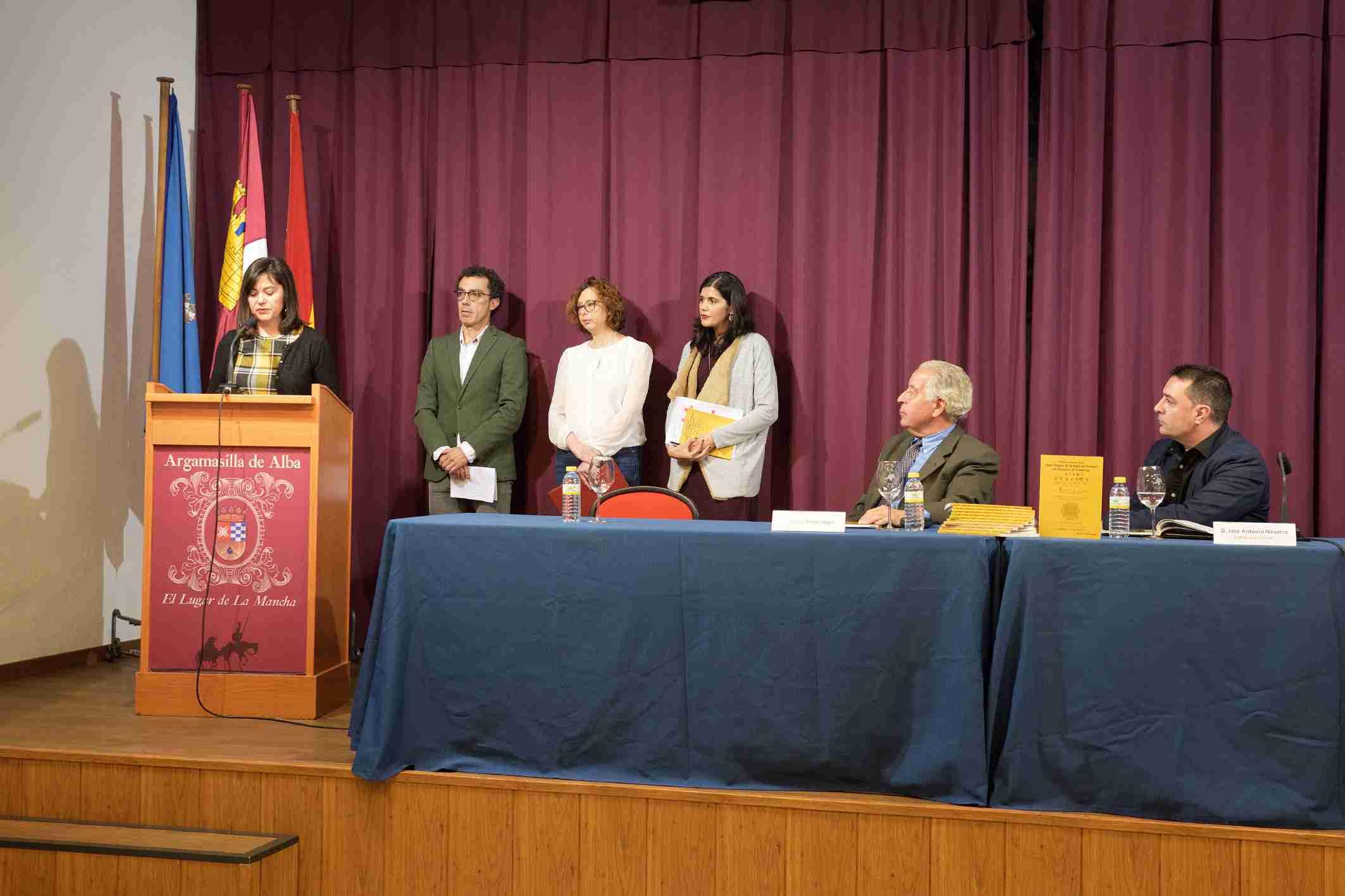 Emilio Nieto expuso su investigación sobre la obra Nave trágica de la India de Portugal 2