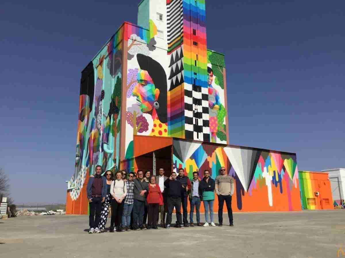 La Diputación recupera los silos e implica a personas con capacidades diferentes en un proyecto de arte mural sin precedentes 9