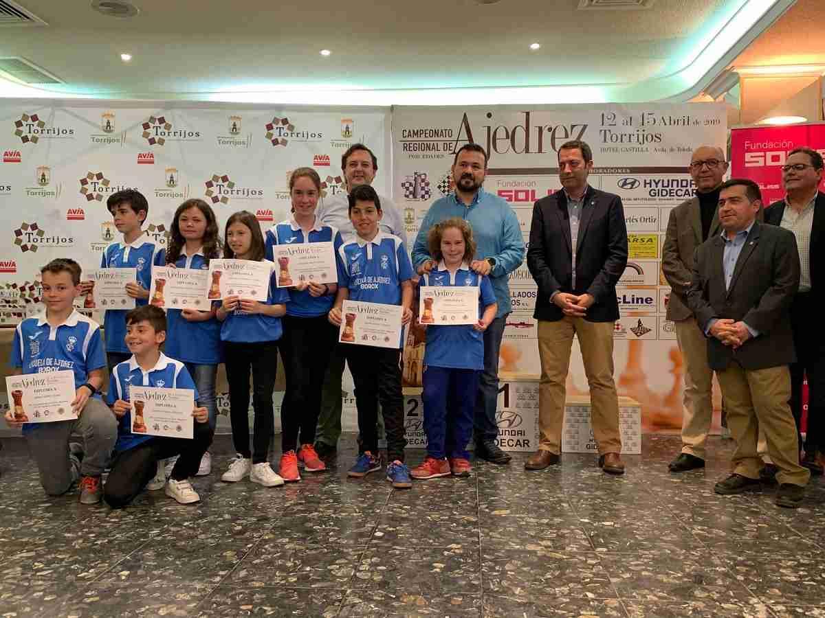 El Gobierno regional acompaña y felicita a los mejores jóvenes ajedrecistas de la región reunidos en Torrijos 1